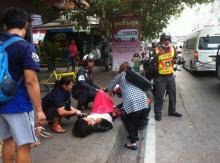 ปลอดภัยทั้งแม่และลูก แม่ทนไม่ไหวคลอดลูกกลางถนน