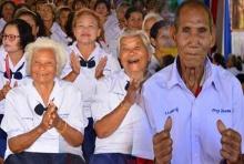 ตายายลั๊ลลา อุดรฯเปิดโรงเรียนผู้สูงอายุ