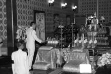 สมเด็จพระบรมฯเสด็จบำเพ็ญพระราชกุศล สวดพระอภิธรรมพระบรมศพ