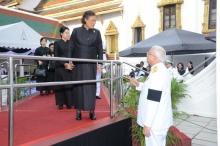 พระเทพฯ เสด็จฯพร้อมคุณพลอยไพลิน คุณสิริกิติยา ทรงบำเพ็ญพระราชกุศลถวายภัตตาหารเช้า
