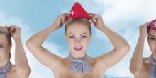 ฉาว! สายการบินปล่อยโฆษณาสุดสยิว แอร์โฮสเตสมีแค่หมวกปิดน้องสาว!