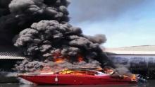 ระทึก ! ไฟไหม้เรือสปีดโบ๊ทนำเที่ยวสิมิลัน 2 ลำ บาดเจ็บ 4 ราย