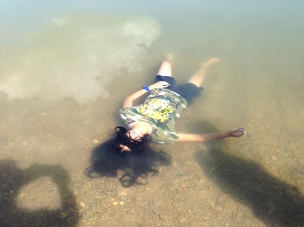 เด็กหญิงจมน้ำ