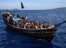 ประเด็นนี้น่าคิด!! เป็นไปได้หรอครับที่ชาวโรฮิงญา อยู่บนเรือลำเล็กๆ ได้นานเป็นเดือน