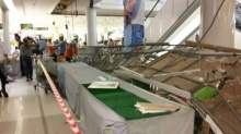 ฝ้าเพดานห้างฟิวส์เจอร์พาร์ค รังสิตหล่นโดนคน บาดเจ็บ 5 ราย