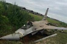เครื่องบินเอฟ16 กองทัพอากาศพุ่งออกนอกแท็กซี่เวย์ที่โคราช นักบินดีดตัวทันเจ็บเล็กน้อย
