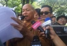 พุทธะอิสระ นำชุมนุมหน้าสถานทูตสหรัฐฯ เหตุก้าวก่ายไทย!!