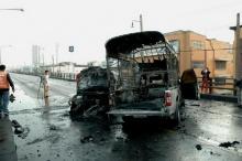 กระบะชนเก๋ง กลางสะพานข้ามแยกเกษตร-ไฟไหม้ลุกท่วม!