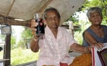 คุณยายหลิน ดื่มโอเลี้ยงกินผักต้มจิ้มน้ำพริก - เคล็ดลับอายุยืน 105 ปี