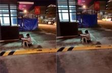 ชื่นชม!เด็กทำการบ้านริมถนน อาศัยแสงไฟร้านแมคโดนัลด์