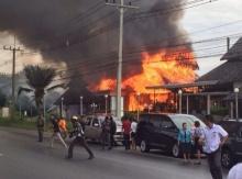 ไฟไหม้ ร้านอาหารดัง ถึงพริกถึงขิง เสียหายกว่า 15 ล้านบาท!!!