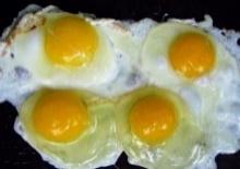 ระวัง!!มันมาถึงไทยแล้ว!!! ไข่ปลอมระบาด ใครกินเข้าไปแย่แน่เลย!!!(มีคลิป)