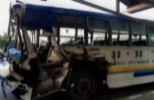 รถเมล์ชนท้ายรถพ่วง ผู้โดยสายเจ็บเพียบ!!