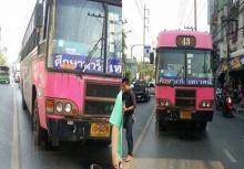 อีกแล้ว!!รถเมล์ทับหัว 2หนุ่มมอไซค์ตายกลางถนน!!