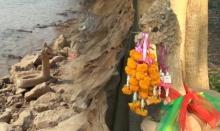 """ฮือฮา! น้ำแห้งพบ """"รูปปั้นพญานาค"""" ริมแม่น้ำโขง จ.นครพนม"""