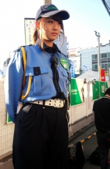 ขโมยซีนทั้งงาน!!!... รปภ.สาว สุดน่ารักจากงาน Street Festa