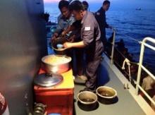 ภาพหนึ่งภาพแทนคำได้พันคำ...ความจริงปมทหารเรือไทยกับเรือมนุษย์โรฮีนจา
