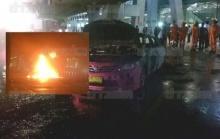 คนขับโดดจากรถหนีแทบไม่ทัน ไฟไหม้แท็กซี่ติดแก๊สแอลพีจี จอดรับคนสนามบินสุวรรณภูมิ!!
