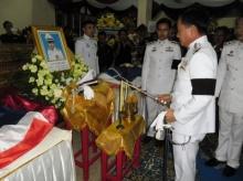 อัญเชิญน้ำหลวงพระราชทานอาบศพ 2 ตำรวจ สภ.ปลวกแดง