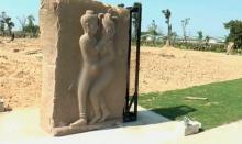 """""""เนวิน"""" แจง! รูปปั้นร่วมเพศ ในสวนสุขภาพแนวคิดจากปราสาทหินพนมรุ้ง"""