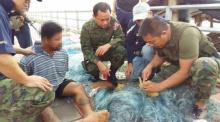 จับหนุ่มหาปลาตั้งแคมป์รับส่งยาบ้าริมโขง ยึดเกือบ 7 พันเม็ด