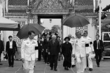 ผู้นำสิงคโปร์-นายกฯลาว ถวายสักการะพระบรมศพ