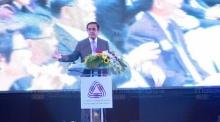 นายกฯ ติงสื่อวิจารณ์รัฐบาล เศรษฐกิจไทยทรุดเพราะเศรษฐกิจโลกชะลอตัว