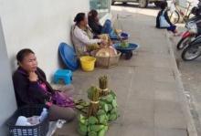 นี่สิของจริง...ไม่จัดฉาก!! ชาวอุบลฯ น้อยใจบ่น หญิงปูใจดำจังซื้อแต่ข้าวไม่ซื้อฝักบัว