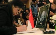 ยิ่งลักษณ์ ลงนามไว้อาลัย ลี กวน ยู นายกฯคนแรกสิงคโปร์ ยกเป็นผู้นำที่ดี