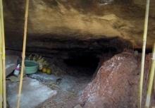 ตะลึง!!พบมนุษย์จิ๋วอาศัยในรูถ้ำ ชาวบ้านแห่ขอหวยเพียบ!!