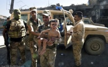 สุดสะเทือนใจ!! เปิดภาพลูกไอเอส เหยื่อกำพร้าแห่งโมซุล พ่อแม่ระเบิดพลีชีพตาย!
