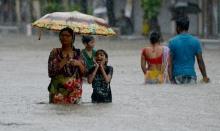 น้ำท่วมใหญ่อินเดีย ตาย 1,200 เด็กกว่าล้านคนไม่มีที่เรียน!!