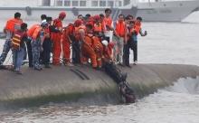 เรือล่มที่แยงซี ตายแล้ว 65 ราย อีกหลายร้อยยังไม่ทราบชะตากรรม