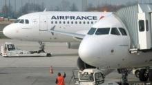 ทำไปได้!! หญิงฝรั่งเศสลอบนำเด็กซ่อนในถุงผ้าขึ้นเครื่องบิน
