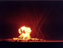 สหรัฐฯ เผยคลิปวิดีโอลับ! ทดสอบระเบิดนิวเคลียร์! (มีคลิป)