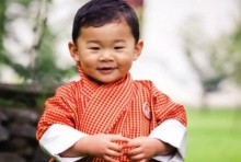 ทรงน่ารัก! พระฉายาลักษณ์ใหม่ เจ้าชายน้อย แห่งภูฏาน