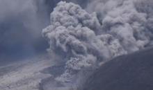 ภูเขาไฟซินาบุงในอินโดฯปะทุอีก หวั่นลาวาทะลักสั่งอพยพชาวบ้าน