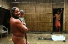แบบนี้ก็มีด้วย!! หนุ่มอินเดียแพ้ผ้าอย่างรุนแรง..อยู่แบบเปลือยกายมากว่า 40 ปี
