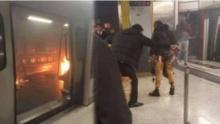 สยอง!! เกิดเหตุไฟไหม้บนรถไฟใต้ดินที่สถานีจิมซาจุ่ย ฮ่องกง