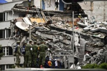 เม็กซิโกเร่งค้นหาเหยื่อแผ่นดินไหว ที่ยังคงติดอยู่ใต้ซากอาคารราว 40 คน