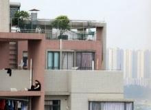 ดราม่า สาวน้อยใจขู่โดดตึก เพียงเพราะ!?