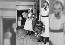 เคยเห็นกันมั้ย? หน้ากากกันแก๊สพิษทารก สมัยสงครามโลก!