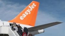 ฉาวอีก! อีซี่เจ็ทไล่ผู้โดยสารลงจากเครื่อง! เหตุขายตั๋วเกินจำนวนที่นั่ง