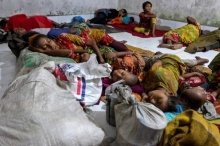 บังกลาเทศเตือนภัยสูงสุด! อพยพคน 1 ล้าน หนีไซโคลน 'โมรา'