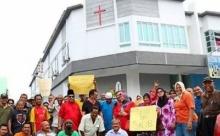 ความขัดแย้งทางศาสนาปะทุ! มุสลิมมาเลย์ต้านติดไม้กางเขนบนโบสถ์คริสต์แห่งใหม่