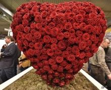 กัมพูชาเตือนนักเรียนอย่าย่ำยีศักดิ์ศรีตัวเองในวันแห่งความรัก