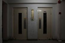 จุดกระแสรุนแรงในจีน สุดสยองหญิงติดลิฟท์เป็นเดือนไม่มีคนรู้จนตาย