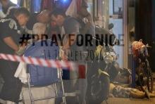 เปิดภาพสุดสลด เหตุโจมตีเมืองนีซ ของฝรั่งเศส!! ตายแล้วกว่า 70 ราย!!