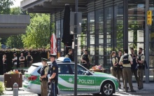 สุดช็อก!!! จ่อยิงหัวตำรวจหญิงเยอรมันคาสถานีรถไฟมิวนิก (มีคลิป)