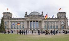 โดนแล้ว!! นักท่องเที่ยวจีนถูกจับในเยอรมนี หลังโพสท่าเคารพฮิตเลอร์!!